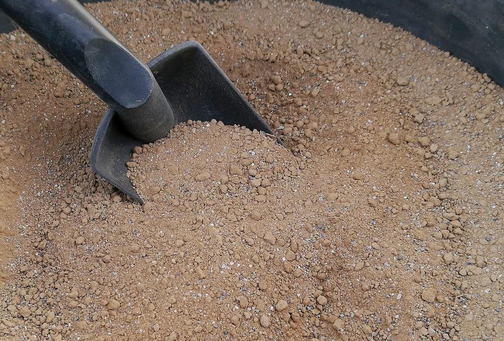 Terra di campo con aggiunta di sabbia fine